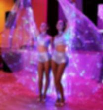Glamourösen Tänzerinnen für Firmenevent und Messe