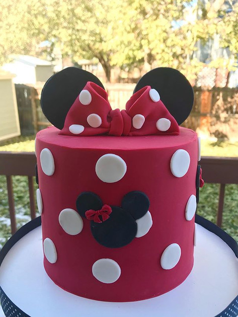 Minnie Mouse cake for an 18th birthday ❤