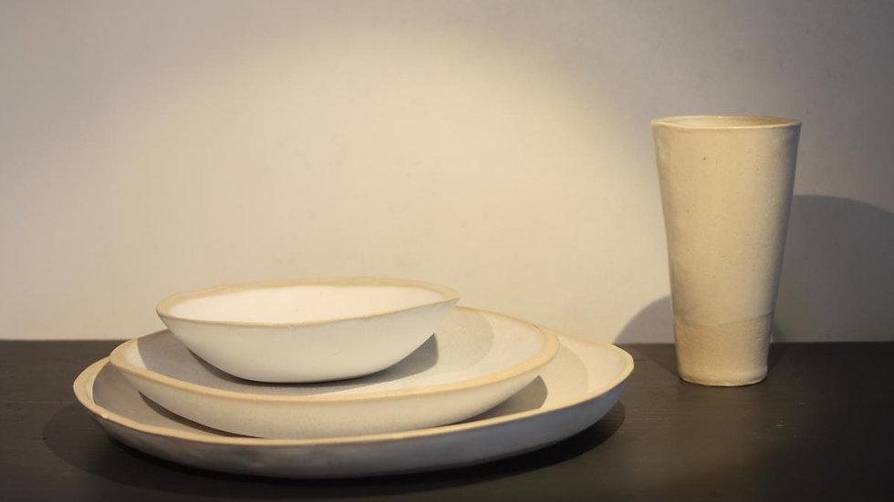 Dinnerware: Place setting