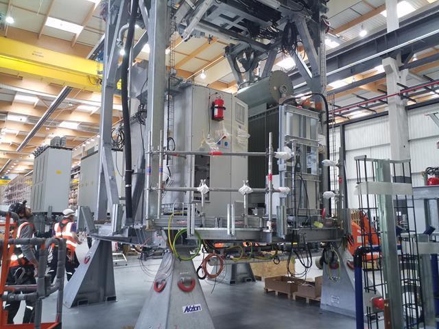 Mit Hochdruck arbeitet EBM-Papst nun an einer Ausweitung der Produktionsmengen für die Zulieferteile der Beatmungsgeräte.