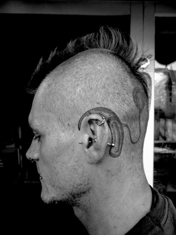Tatuaggio apparecchio acustico