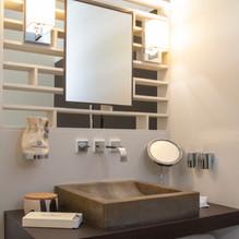Olives Vertes Bathroom