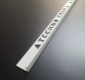 WHITE MATTE TRIM L:A 2.5M.jpg