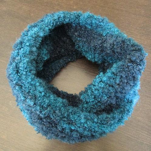 Plavi prugasti topli ženski šal