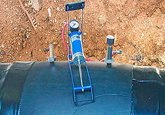 Технология изоляции стыка труб ППУ с помощью электросварных муфт.  Герметичность опрессовкой воздухом