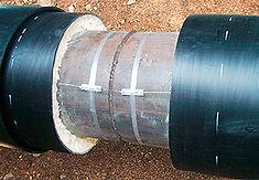 Технология изоляции стыка труб ППУ с помощью электросварных муфт. Муфта распаковывается и надвигается на стык