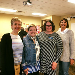 Illinois Democratic Women of Will members Joy Hunt, Michelle Domecki, Amanda, and Sue Myers