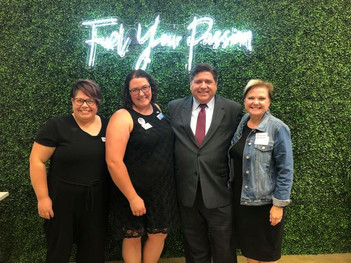 Frankfort Township Democrats Chair Emily Biegel, Amanda, Gubernatorial Candidate JB Pritzker, and FTDO Vice Chair Michelle Domecki