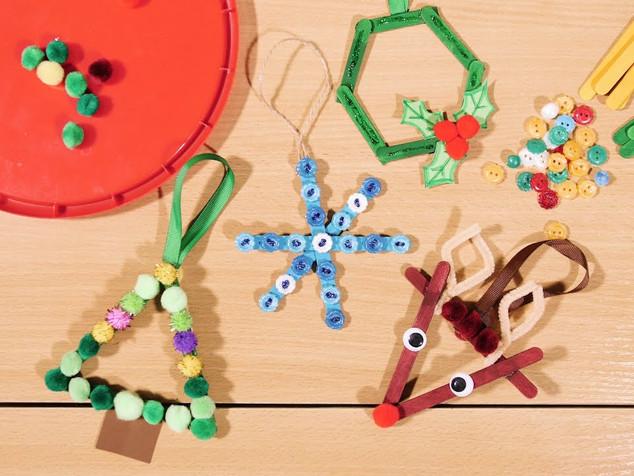 Kalėdinių žaisliukų dirbtuvės