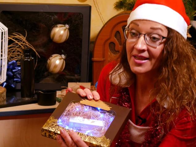 Kalėdinių dovanų pakavimo dirbtuvėlės