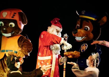 Panevėžio Lėlių vežimo teatro kalėdinis sveikinimas