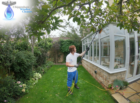 Window cleaning in Calne