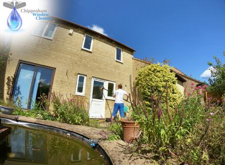 Chippenham Window Cleaner in Monkton Park