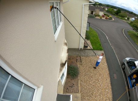 Window Cleaning in the Wansdyke Drive area in Calne.