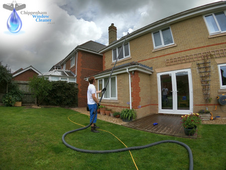 Gutter cleaning in Calne