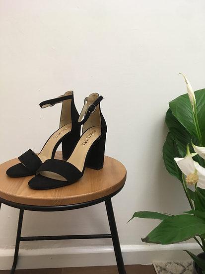 Classic black heeled sandals