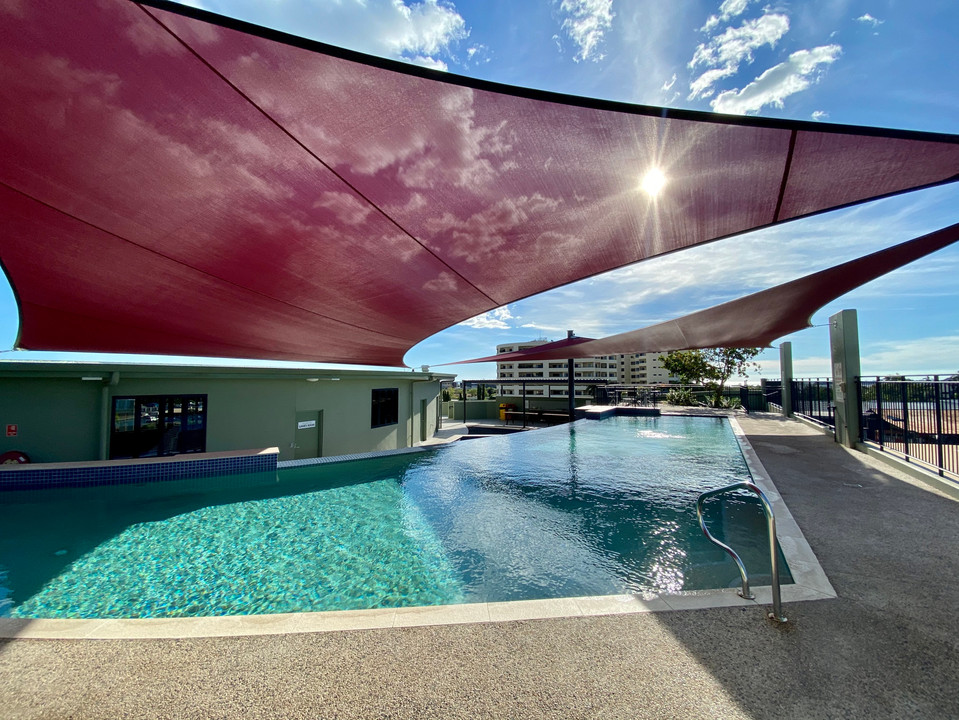 Infinity Pool at The Avenue
