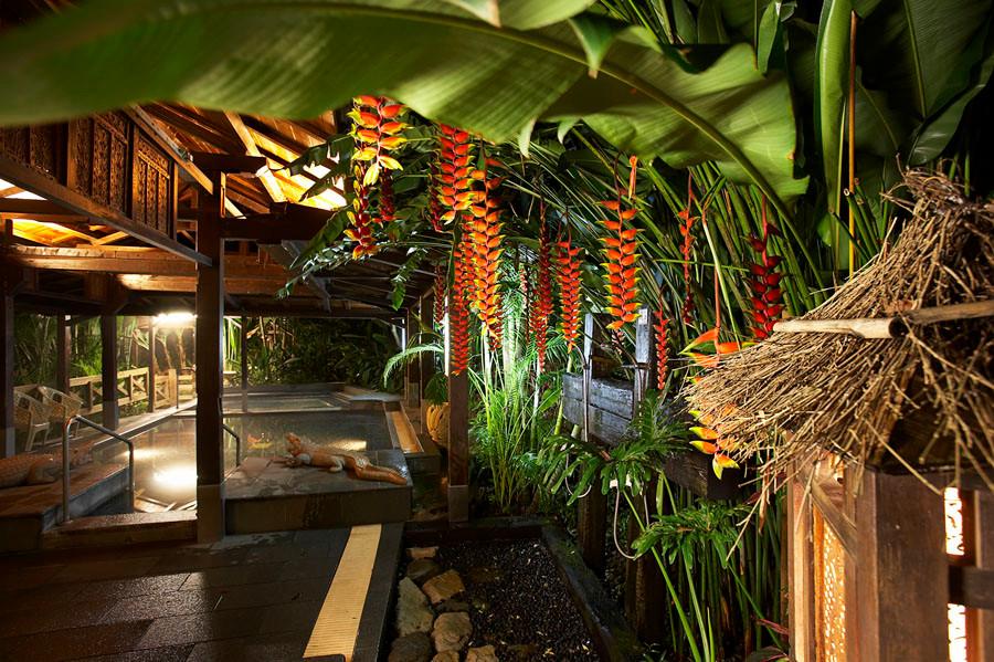 熱帶雨林溫泉區.jpg