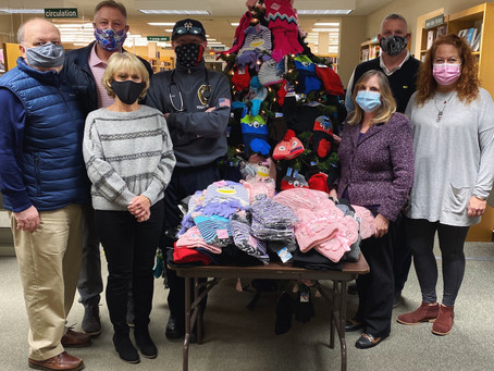 BBP Library and the Johnny Mac Foundation Continue Mitten Tree Tradition