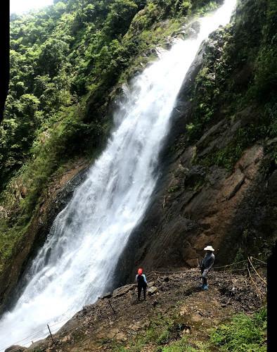 Carara Bjagual Waterfall.jpg