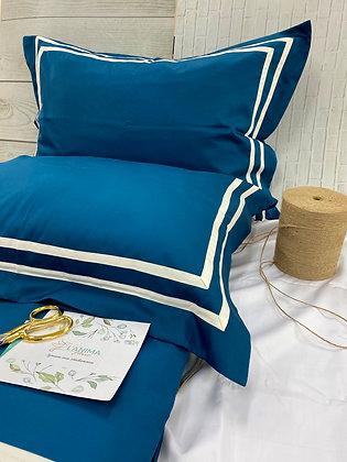 Комплект постельного белья Скарлет с премиальной отделкой
