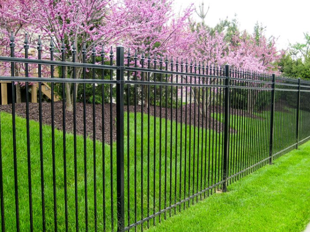 Aluminumn Fence With Picket Caps