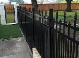 Diamond Special Aluminum Fence