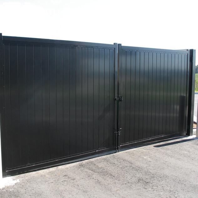 Vinyl Black Gate