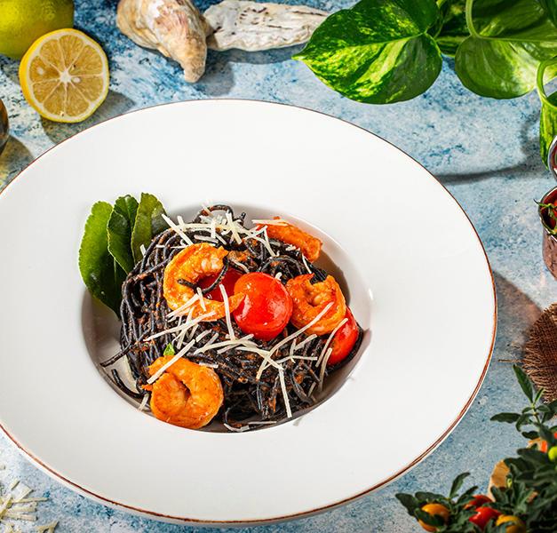 შავი პასტა კერევეტებით  Black Pasta With Shrimps