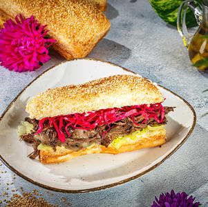 ჩაბატა საქონლის ხორცით  Beef Sandwich
