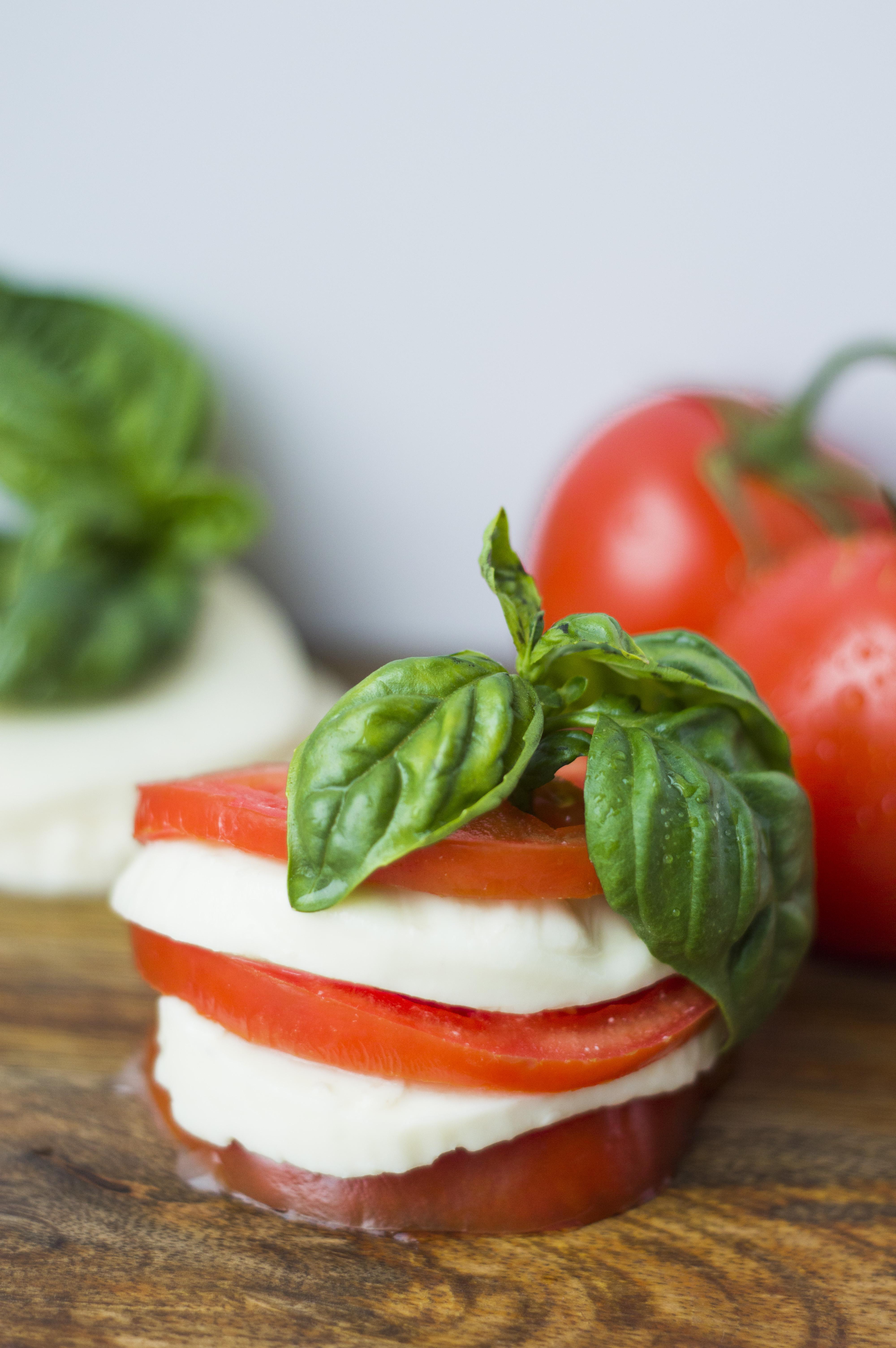 Tomato|Mozzarella|Basil