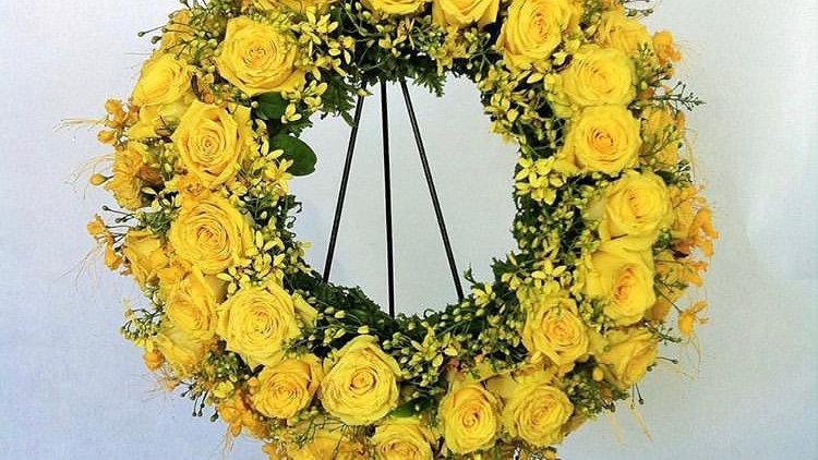 "18"" Exotic Round Wreath- Yellow"