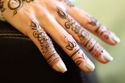 how to do henna
