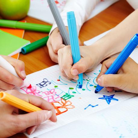 Desenho de criança para desenvolvimento e decoração infantil