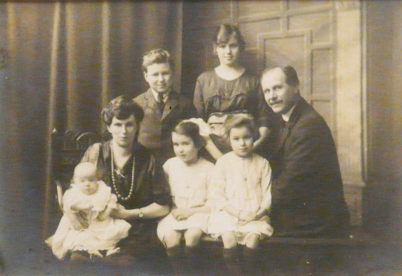 John Rossiter 3rd and Family 1922