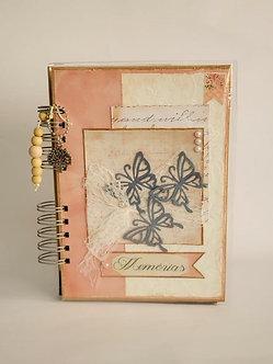 Caderno em Scrapbooking