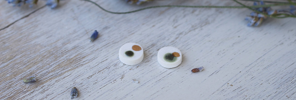 Luna Studs in forest green
