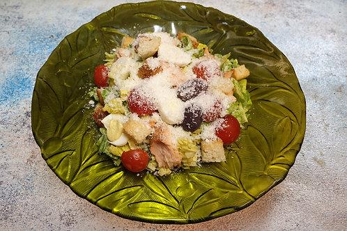 Салат з лососем гарячого копчення
