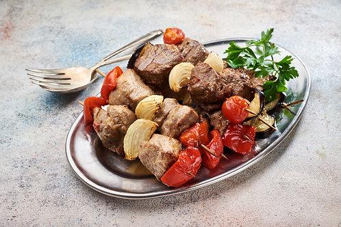 Шашлик з телятини з овочами