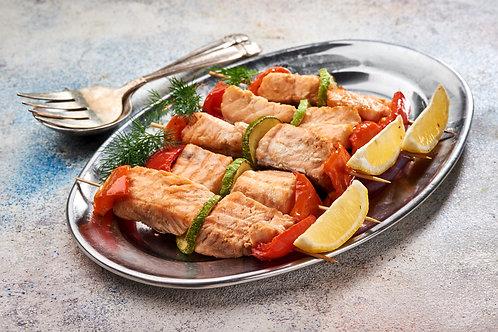 Шашлик з лосося з овочами