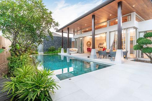 home-house-exterior-design-showing-tropi
