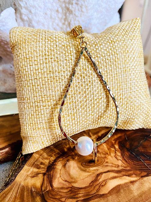 "Teardrop White Shell Pearl Necklace Hamilton Gold 20"""