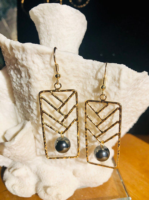Lauhala Earrings Hamilton Gold