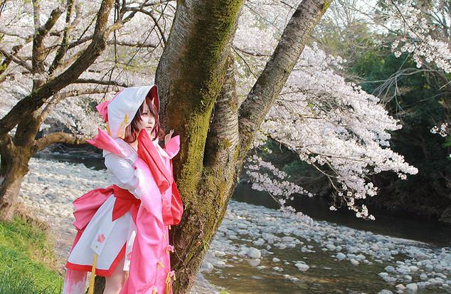 コスプレ提供作品/河原の桜