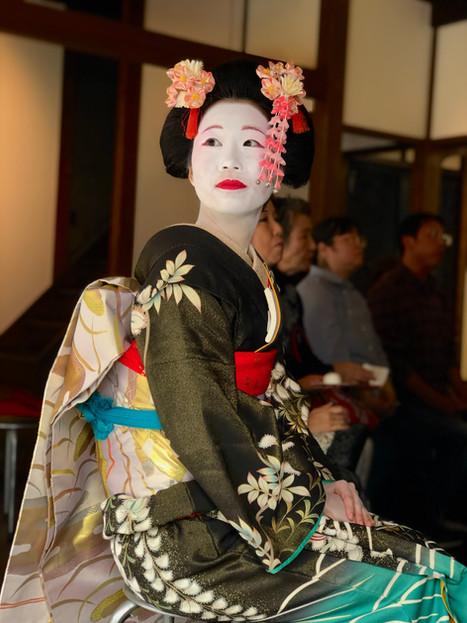 Dress up like Geisha