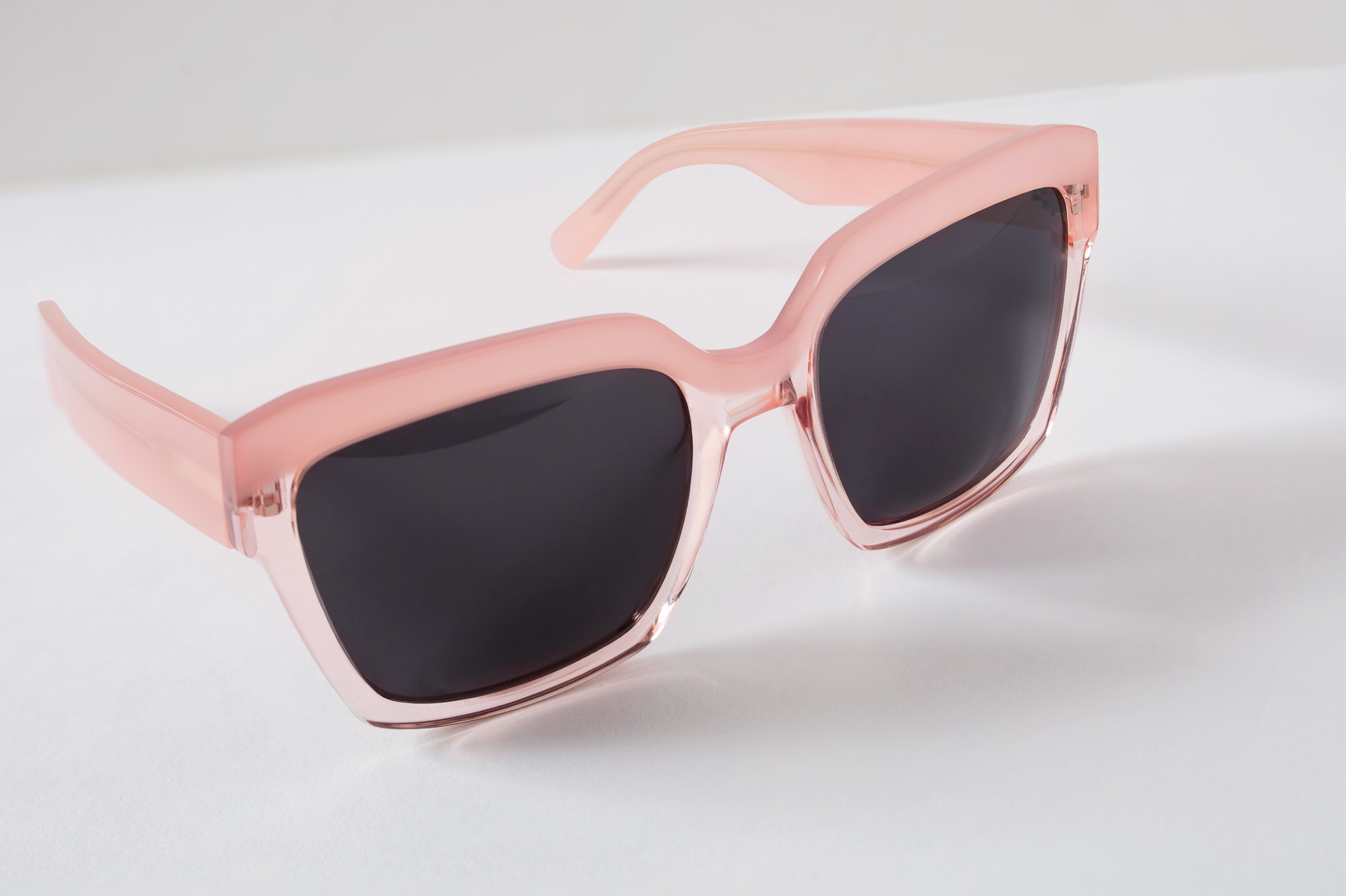 Peterfedrizzi-product-shot-sunglasses-pi