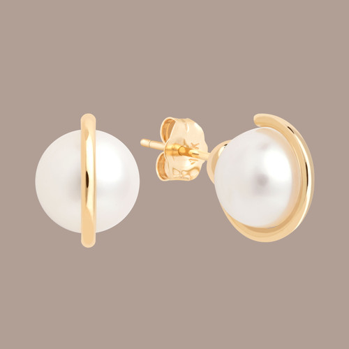 LaGrottaCollective-Joanne-pearl-gold-ear