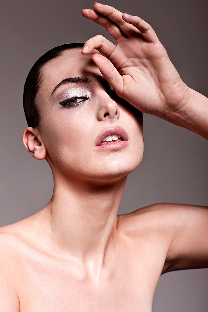 PeterFedrizzi-beautyshot-edgymakeup-make
