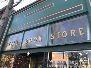 Bookstore Review - Bell's Book Store
