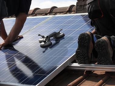 solar-panels-944002.jpg